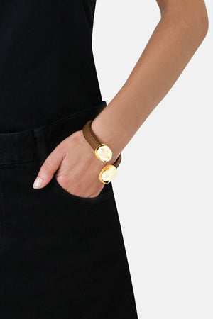 LEATHER CUFF CAMEL/GOLD