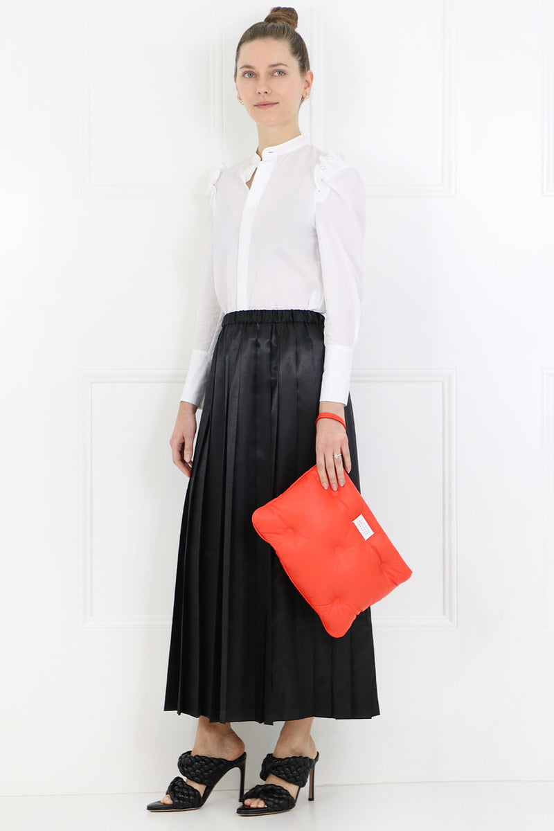 PLEATED SKIRT BLACK SATIN