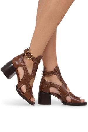 GAILE CUTOUT ANKLE BOOTS SOOTY BROWN