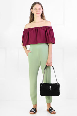 FLUID OFF-SHOULDER BLOUSE RASPBERRY