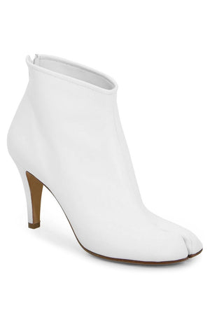 CLASSIC TABI STILETTO BOOT WHITE