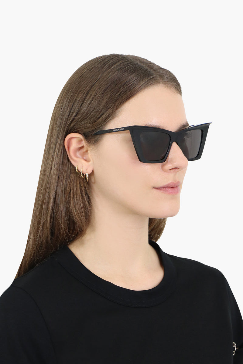 372 SIGNATURE CAT EYE SUNGLASSES BLACK
