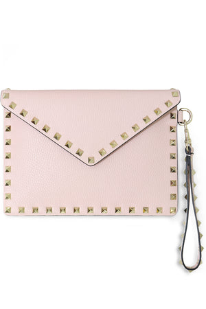 SMALL ROCKSTUD ENVELOPE POUCH GRAINED LEATHER ROSE QUARTZ