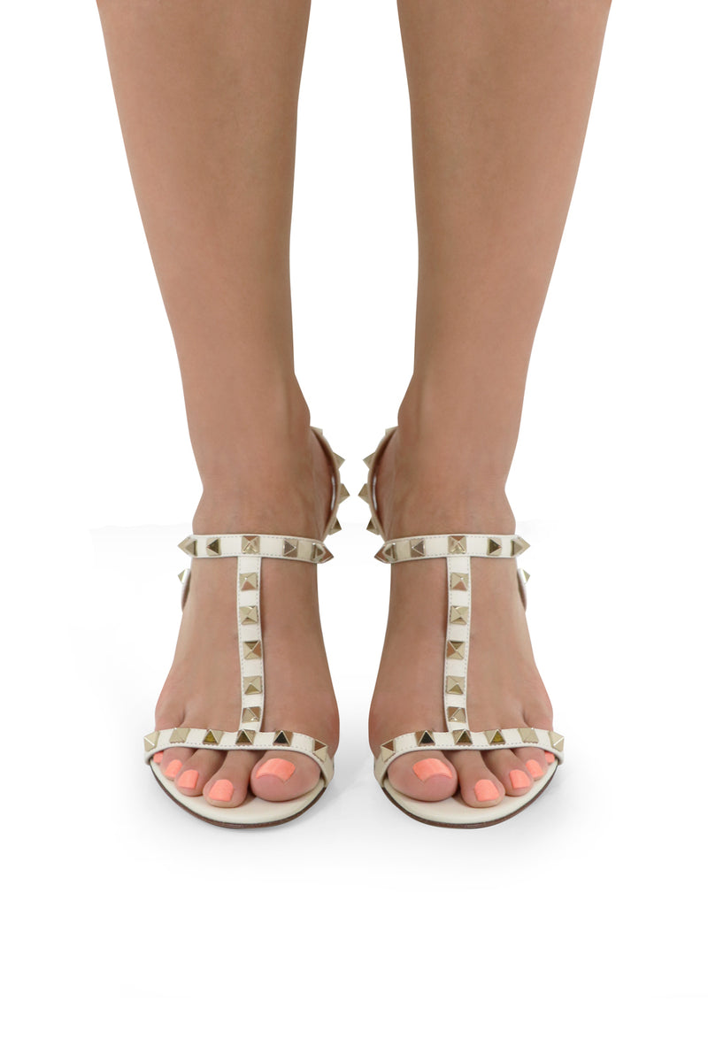ROCKSTUD T-BAR SANDAL 85MM IVORY