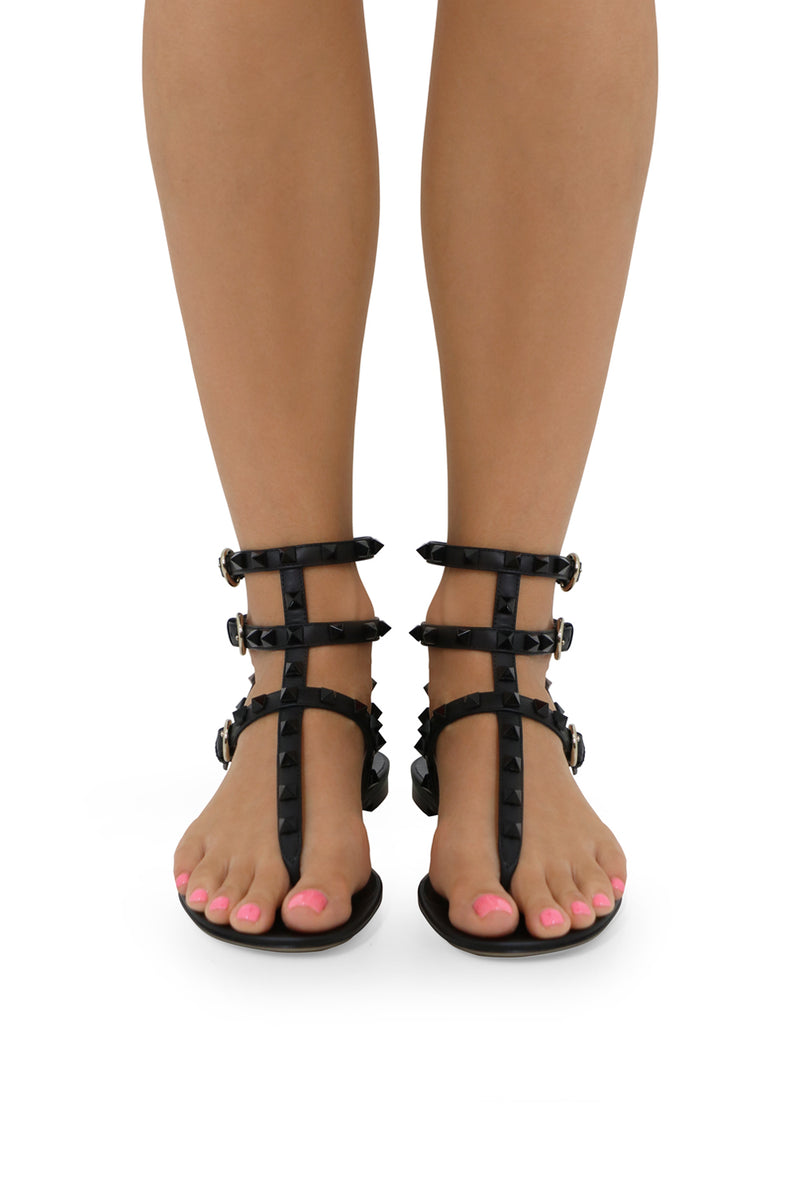 ROCKSTUD THREE STRAP THONG SANDAL BLACK