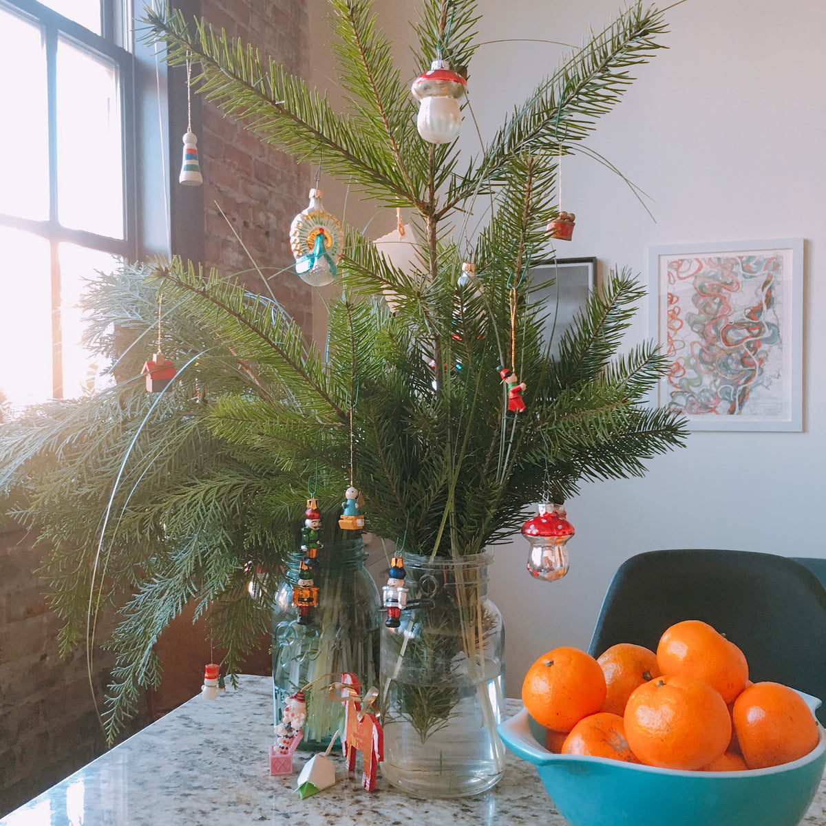 Mini Holiday 'Tree' for small spaces + tree huggers