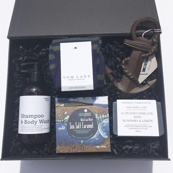 The Weekender Gift Box