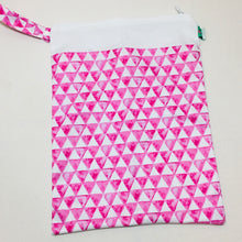 Elinfant Travel Wet Bag - Pink Pyramid