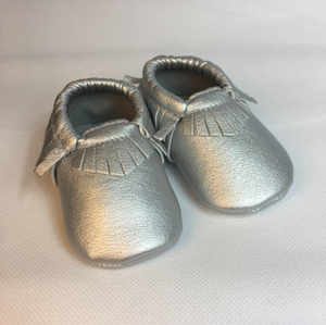 Baby Fringe Moccasins - Silver Leather