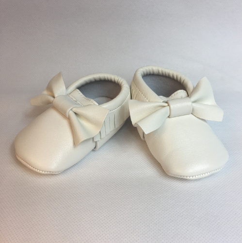 Baby Fringe Moccasins - Snow White Leather with Bow