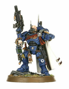 40k Primaris Captain in Phobos Armour