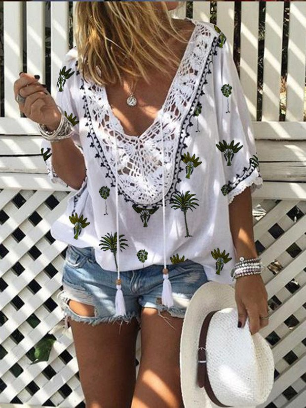 V Neck Half Sleeve Printed Holiday Blouse