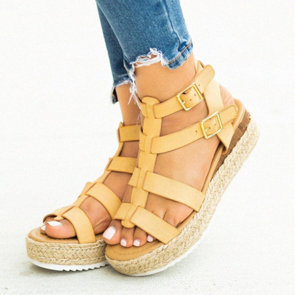 Pi Clue Flat Heel Leather Button Sandals