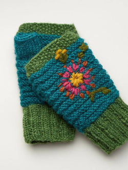 Green Casual Floral Women Gloves & Mittens