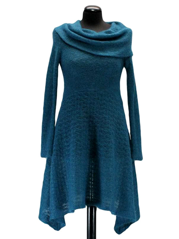 Shift Solid Turtleneck Casual Dresses