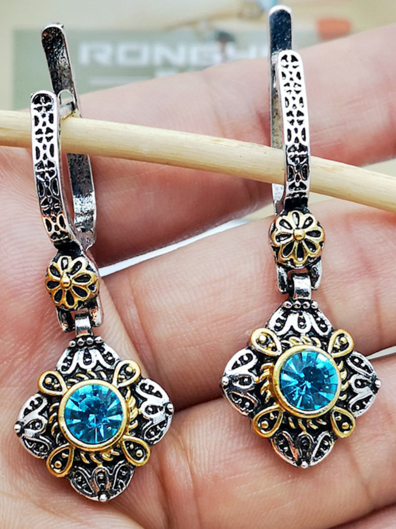 Court Earrings