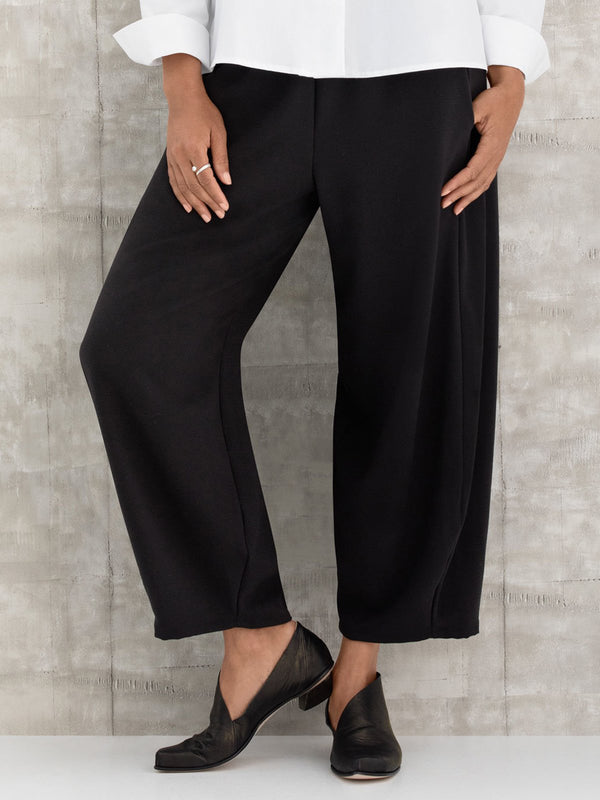 Black Solid Pant Crop Pants
