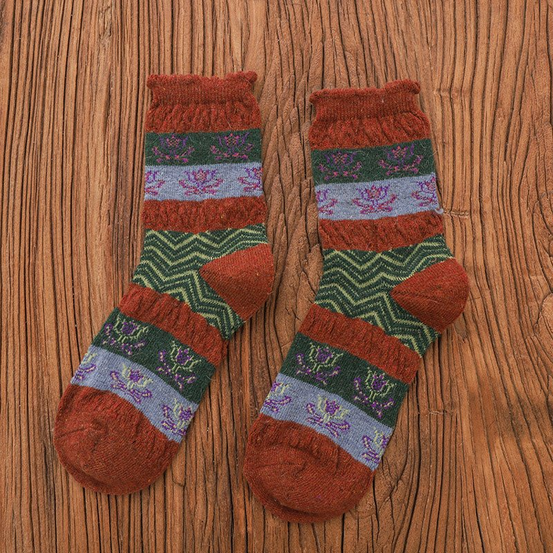 Women Jacquard Winter Vintage Socks