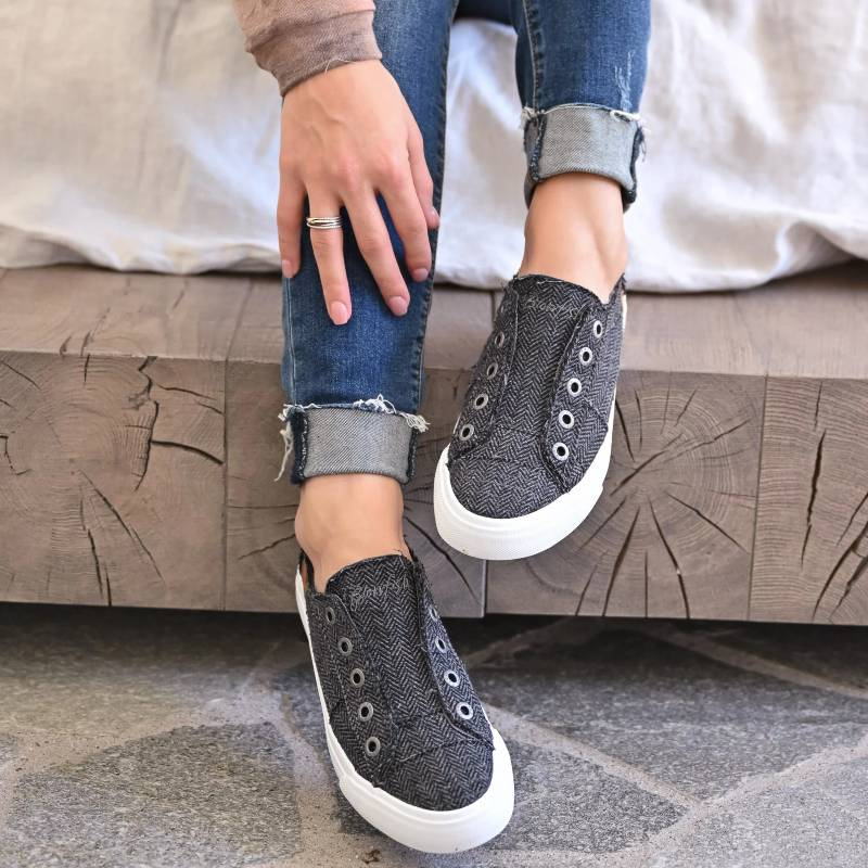 Women Comfy Slip-on Sneaker Shoes