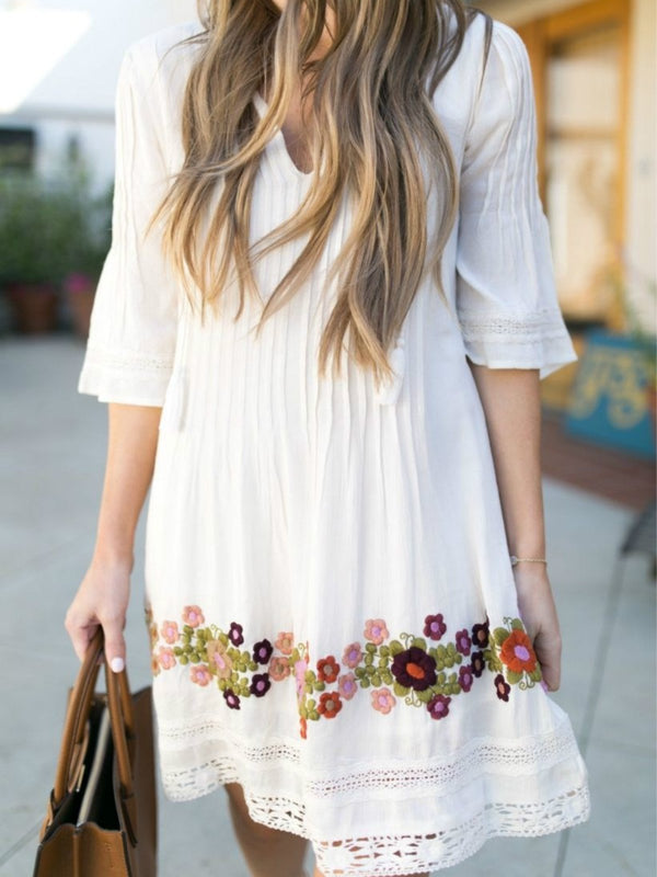 White Half Sleeve V Neck Floral Dresses