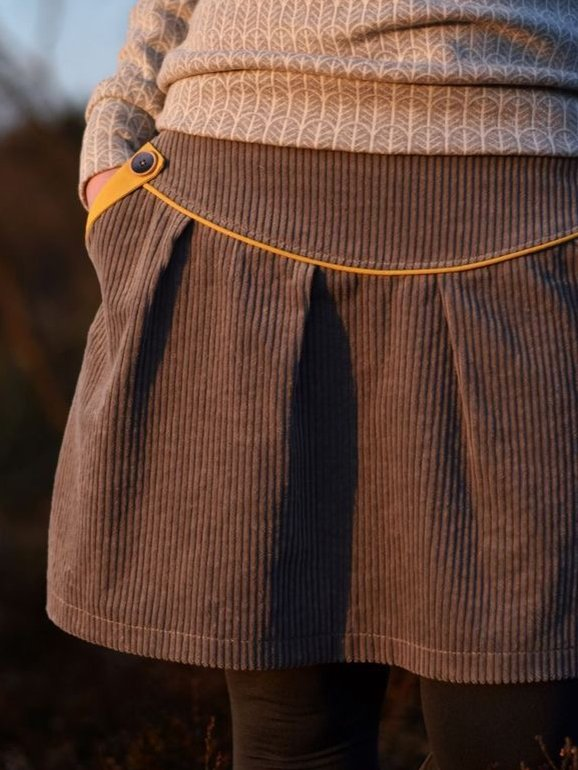 Brown Casual Color-Block Skirts