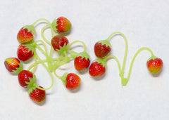 Plastic Strawberries 0.75''
