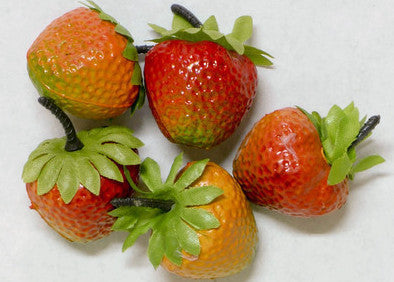 Plastic Strawberries 1.5'' 12 pcs