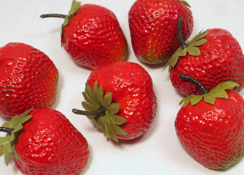 Plastic Strawberries 2'' 12 pcs