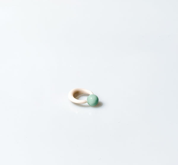 glass candy ring off white and mint