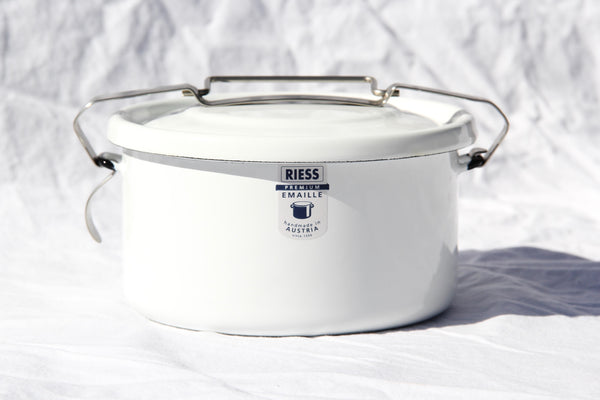 Riess Enamel Sealing Pail with Handle