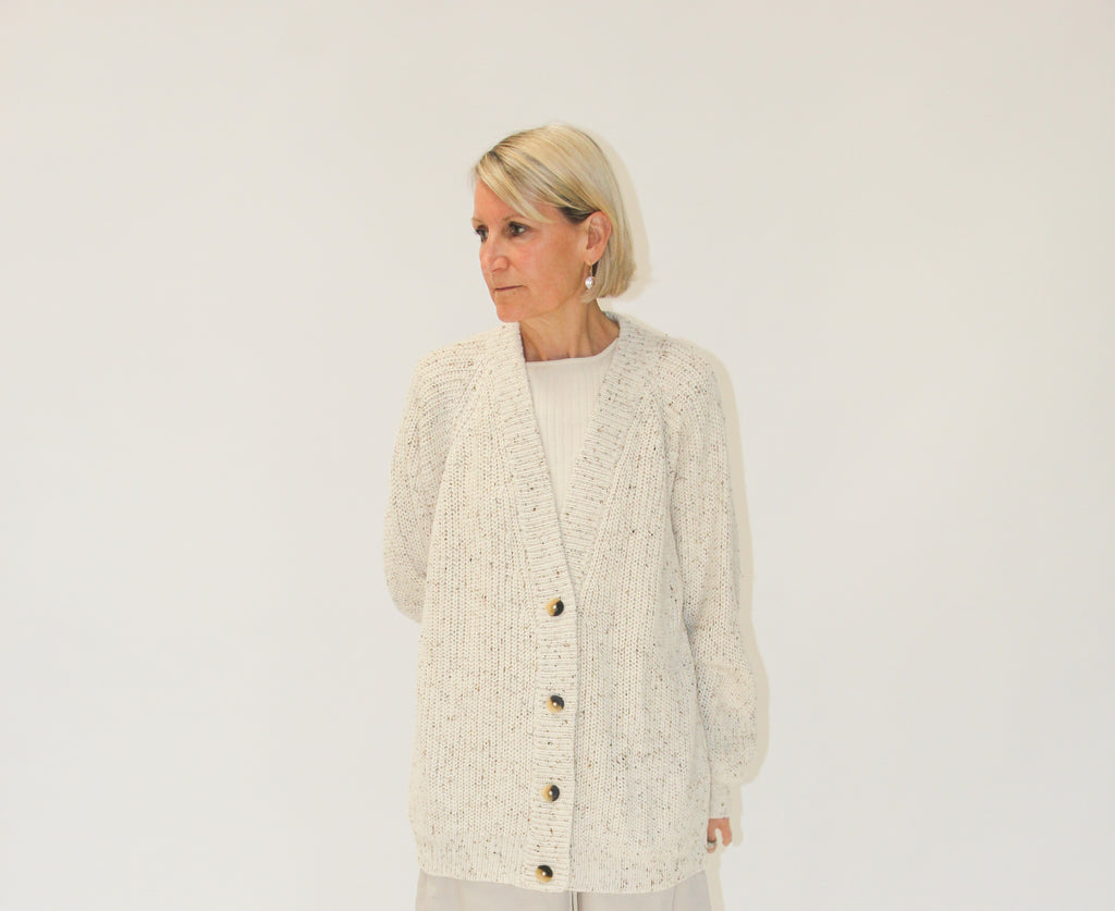 Shaker cardigan raw white tweed