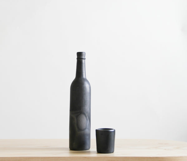 Barro Negro Bottle