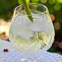 Lemongrass Mint Gin & Tonic