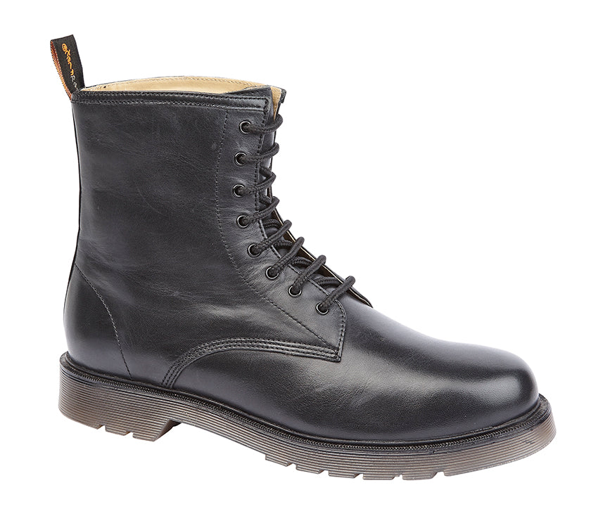 Tred Flex Black Leather 8-Eyelet Boots
