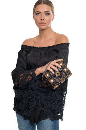 <p>Ideh Beaded Evening Clutch</p>