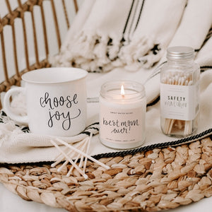 <p>Best Mom Ever! Soy Candle</p>