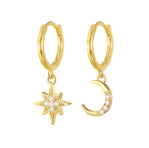 <p>Starburst Moon Dangle Huggies</p>