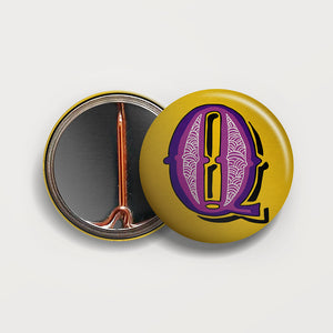 Letter Q button badge