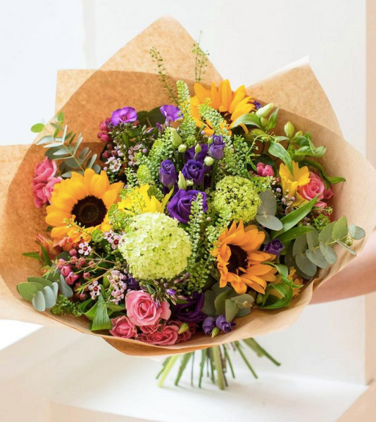 3 Reasons You Should Have Fresh Flowers In Your Home