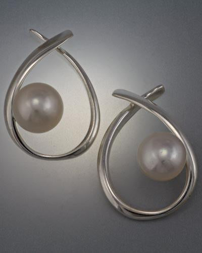 Sterling Silver Earring with 8mm Pearl (shown here with white pearl, see options to choose pearl color)
