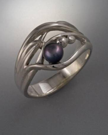 Sterling Silver ring with 4mm pearl (shown here with Black Pearl see options to choose pearl color)