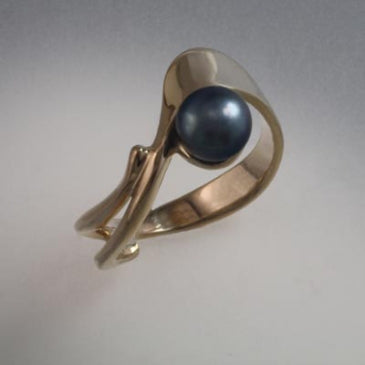 14K Gold ring with 6mm pearl (shown here with Black Pearl, see options to choose pearl color)