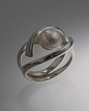 Sterlinng silver ring with 8mm Pearl ( Shown in white see options to choose pearl color)