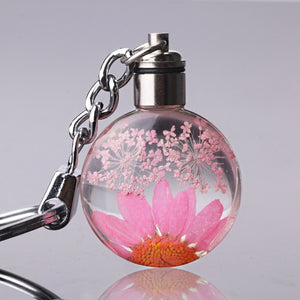 Fresh Dried Flower Keychain In Round Crystal Glass