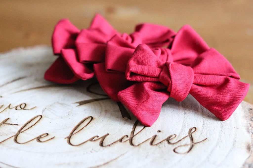Red Orla Bow