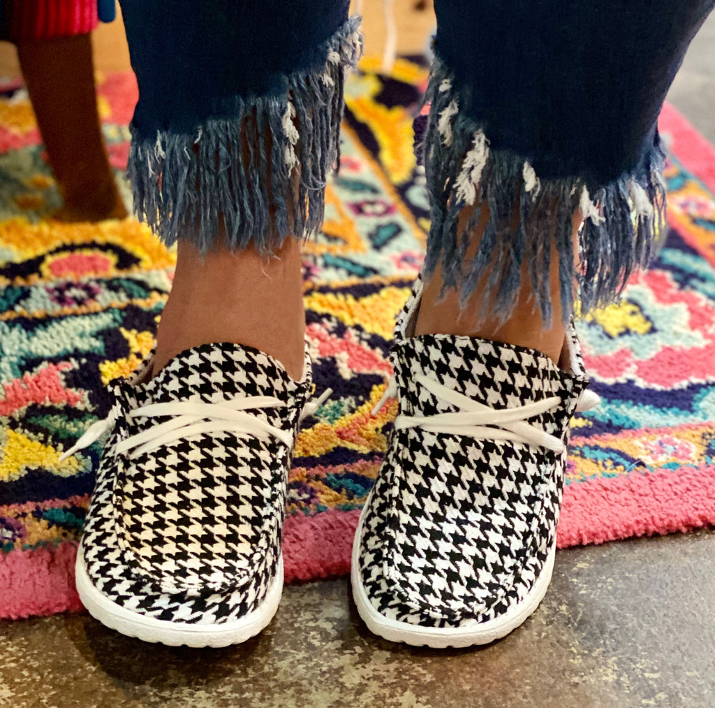 {HOUNDSTOOTH} Gypsy Jazz Slip On Canvas Sneakers