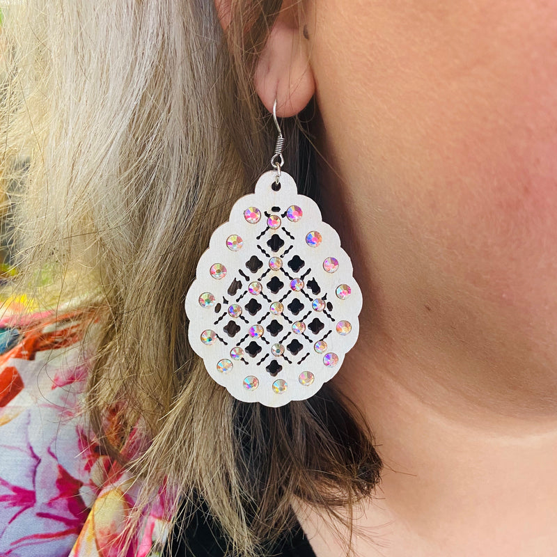 The Audrey Wooden Rhinestone Quatrefoil Earrings - IVORY