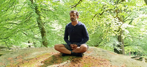 guided-meditation-with-move-in-to-stillness-yoga