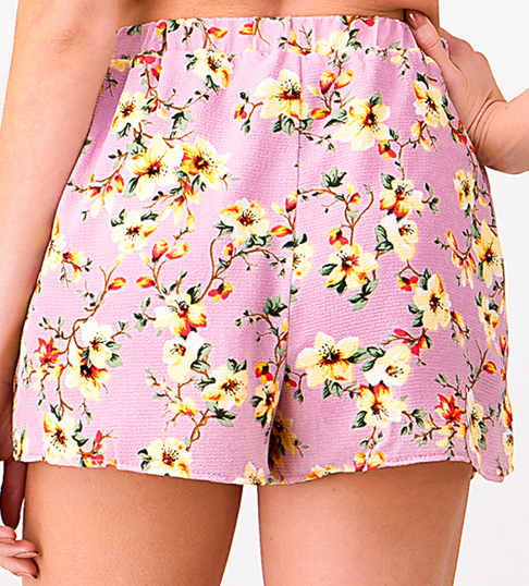 PINK FLORAL SHORTS - Chica Boutique NY