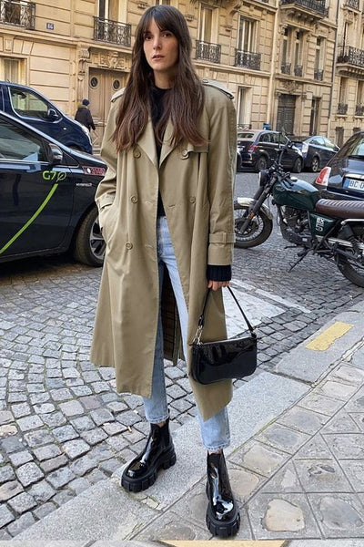 Grunge vintage trench coat look